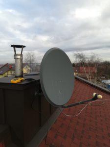 Antena Satelitarna na dachu budynku