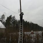montaż anteny na słupie